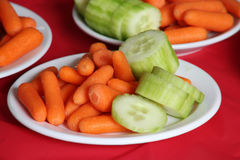 Πιάτο καρότων και αγγουριών Στοκ Φωτογραφία
