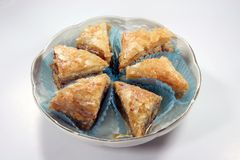πιάτο κομματιών baklava στοκ εικόνες με δικαίωμα ελεύθερης χρήσης
