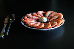 Πιάτο με τις γαρίδες σε το Στοκ Φωτογραφίες