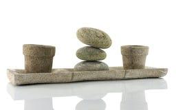 Πιάτο με τις πέτρες στην ισορροπία Στοκ Φωτογραφίες