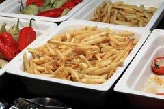 Πιάτο με τις τηγανισμένες πατάτες Στοκ φωτογραφίες με δικαίωμα ελεύθερης χρήσης