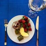 Πιάτο με τους καρπούς στοκ φωτογραφίες με δικαίωμα ελεύθερης χρήσης