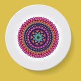 Πιάτο με το φυλετικό mandala διακοσμήσεων κομψότητας επίσης corel σύρετε το διάνυσμα απεικόνισης Στοκ Εικόνα