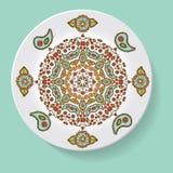 Πιάτο με το φυλετικό mandala διακοσμήσεων κομψότητας επίσης corel σύρετε το διάνυσμα απεικόνισης Στοκ εικόνες με δικαίωμα ελεύθερης χρήσης
