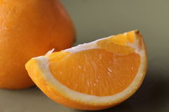 πιάτο πορτοκαλιών που τεμαχίζεται Στοκ Φωτογραφία