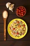 Πιάτο ρυζιού με Mincemeat και τα λαχανικά Στοκ φωτογραφία με δικαίωμα ελεύθερης χρήσης