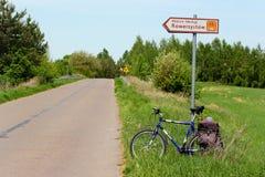 Πιάτο σημαδιών της πράσινης διαδρομής ποδηλάτων Velo στην Πολωνία στοκ εικόνες