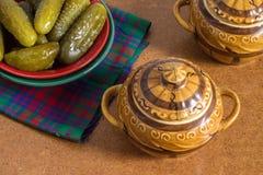 Πιάτο τουρσιών στο καυτό δοχείο Στοκ φωτογραφία με δικαίωμα ελεύθερης χρήσης