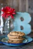 Πιάτο των μπισκότων με το Β Στοκ Εικόνες