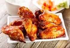 Πιάτο των φτερών κοτόπουλου στοκ εικόνες με δικαίωμα ελεύθερης χρήσης
