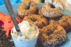 Πιάτο bagels στοκ εικόνες