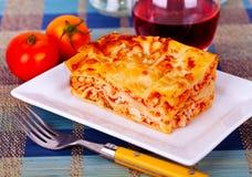 Πιάτο Lasagne tabletop Στοκ φωτογραφίες με δικαίωμα ελεύθερης χρήσης