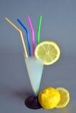 Πιείτε μια λεμονάδα Στοκ Εικόνες