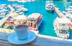 Πιείτε τον καφέ στο λιμένα Antalya Στοκ Φωτογραφίες