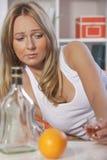 πιεσμένη αλκοόλη πίνοντας  Στοκ Εικόνες