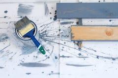 πιθανά προγράμματα Διαδικτύου ανασκόπησης τέχνης που χρησιμοποιούν Βούρτσες για τη ζωγραφική στον ξύλινο καμβά στοκ φωτογραφία με δικαίωμα ελεύθερης χρήσης