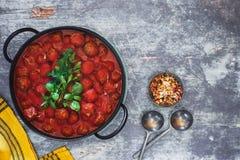 Πικάντικα κεφτή με τη σάλτσα ντοματών Στοκ Εικόνες