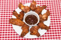 πικάντικα φτερά κοτόπουλ&omi Στοκ εικόνες με δικαίωμα ελεύθερης χρήσης