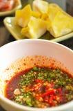 Πικάντικη βυθίζοντας σάλτσα στοκ εικόνες