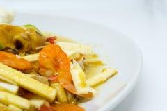 Πικάντικη σαλάτα καρύδων της Ταϊλάνδης με τα αλατισμένα αυγά Στοκ φωτογραφίες με δικαίωμα ελεύθερης χρήσης