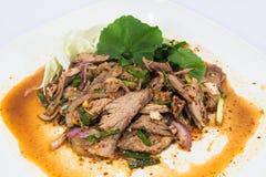 Πικάντικη σαλάτα του ψημένου βόειου κρέατος, ταϊλανδική κουζίνα ύφους Στοκ φωτογραφία με δικαίωμα ελεύθερης χρήσης