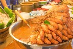 Πικάντικη σούπα χλόης λεμονιών του Tom Yum Goong στοκ εικόνα με δικαίωμα ελεύθερης χρήσης