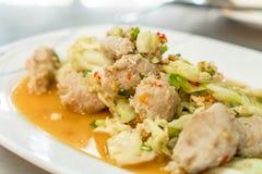 πικάντικος κομματιάστε τη σαλάτα χοιρινού κρέατος Στοκ Φωτογραφίες