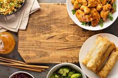 Πικάντικο γλυκόπικρο κοτόπουλο με το ρύζι και το λάχανο Στοκ Εικόνες
