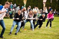 Πικ-νίκ οικογενειακού αθλητισμού στοκ εικόνα με δικαίωμα ελεύθερης χρήσης