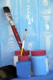 Πινέλα, χρώματα, λαστιχένιο εργαλείο Στοκ φωτογραφίες με δικαίωμα ελεύθερης χρήσης