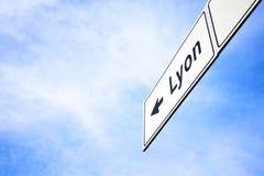 Πινακίδα που δείχνει προς τη Λυών Στοκ Φωτογραφία