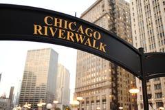 Πινακίδα Σικάγο riverwalk στοκ εικόνες