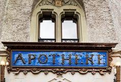Πινακίδα φαρμακείων Apotheke Στοκ εικόνα με δικαίωμα ελεύθερης χρήσης