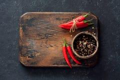 Πιπέρια τσίλι και ανάμεικτα ξηρά πιπέρια Στοκ Εικόνα