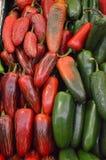 Πιπέρια τσίλι στη μεξικάνικη αγορά Στοκ Φωτογραφία