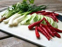 Πιπέρι, αγγούρι, κρεμμύδι, λαχανικά Στοκ εικόνες με δικαίωμα ελεύθερης χρήσης