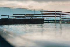 Πισίνα πολυτέλειας στο ξενοδοχείο Στοκ Εικόνα