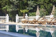 Πισίνα του ξενοδοχείου Στοκ φωτογραφία με δικαίωμα ελεύθερης χρήσης