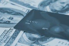 πιστωτικά χρήματα καρτών Στοκ Εικόνες