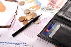 Πιστωτικές κάρτες και πορτοφόλι Στοκ εικόνα με δικαίωμα ελεύθερης χρήσης