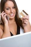 πιστωτική γυναίκα καρτών στοκ φωτογραφίες