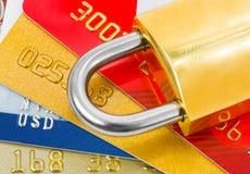 πιστωτικό κλείδωμα καρτών Στοκ εικόνα με δικαίωμα ελεύθερης χρήσης