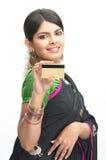 πιστωτικό κορίτσι Sari καρτών &epsi στοκ εικόνες με δικαίωμα ελεύθερης χρήσης