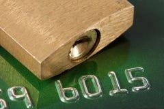 πιστωτικό λουκέτο καρτών Στοκ εικόνα με δικαίωμα ελεύθερης χρήσης