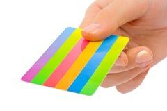 πιστωτικό χέρι καρτών Στοκ εικόνα με δικαίωμα ελεύθερης χρήσης