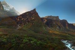 πιό βροχερή κρατική ανατολή ΗΠΑ Ουάσιγκτον πάρκων ΑΜ εθνική Machapuchare Annapurna, Νεπάλ Στοκ Εικόνα