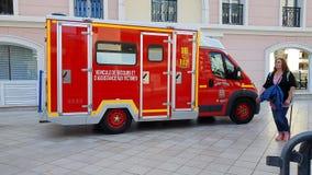 Πλάγια όψη ασθενοφόρων πυροσβεστικής υπηρεσίας φιλμ μικρού μήκους