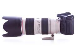 Πλάγια όψη μιας ψηφιακής φωτογραφικής μηχανής φωτογραφιών με το φακό ζουμ Στοκ Εικόνες