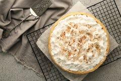 Πλέγμα με την εύγευστη πίτα κρέμας καρύδων Στοκ Εικόνα