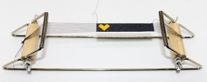 Πλέκοντας αργαλειός Miyuki, miyuki wristband στοκ εικόνα με δικαίωμα ελεύθερης χρήσης